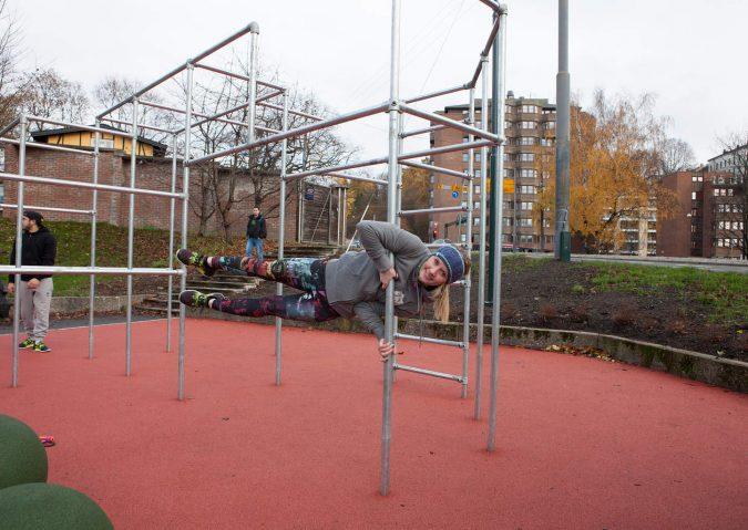 Trening med egen kroppsvekt i Tøyen parkourpark