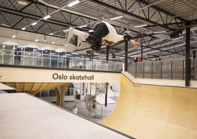 På fire hjul i Oslo Skatehall